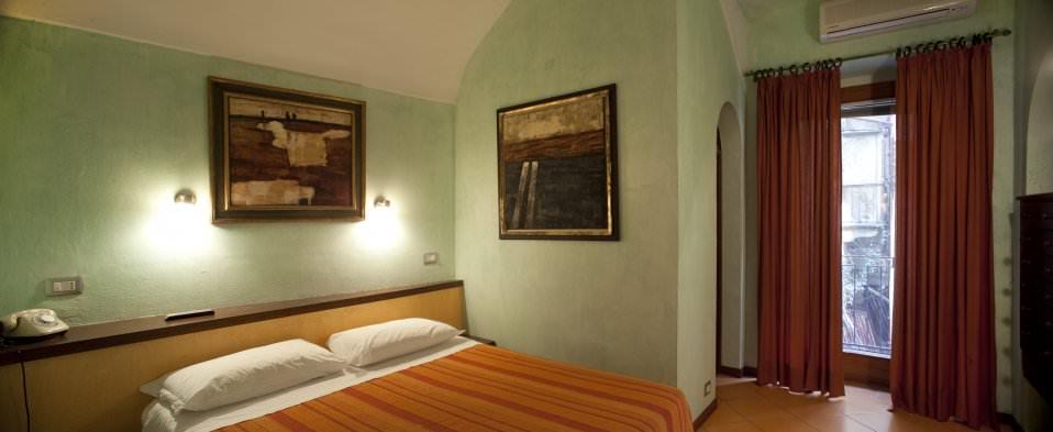 camera-letto-arancione2